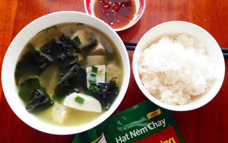 Canh môn nấu rong biển - Green Seaweed